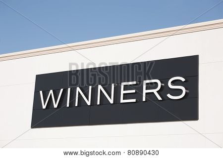 Winners Outlet Sign