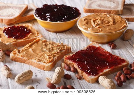 Sandwiches With Peanut Butter And Jelly Horizontal