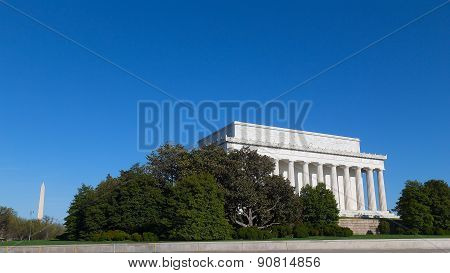 Lincoln Memorial and Washington Monument on a sunny day