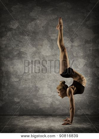 Hand Stand, Woman Handstand, Girl Acrobat Performer Doing Hands Standing