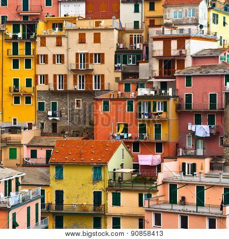 Colourful Manarola village, Cinque Terre, Italy.