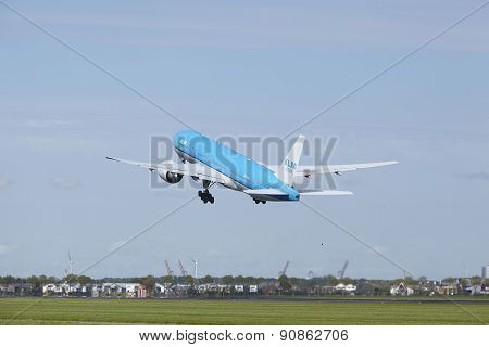Amsterdam Airport Schiphol - Boeing 777 Of Klm Takes Off