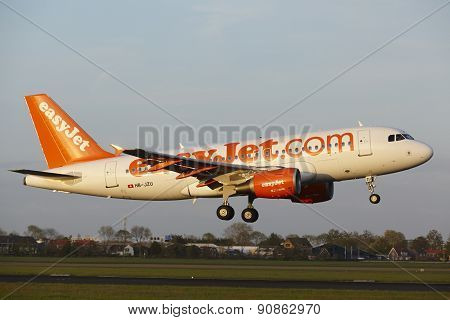 Amsterdam Airport Schiphol - Airbus A319 Of Easyjet Switzerland Lands