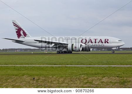 Amsterdam Airport Schiphol - Boeing 777 Of Qatar Airways Cargo Lands
