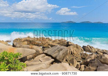 Violent Surf Rocky Beach