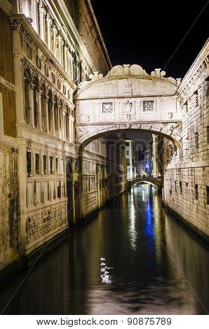 bridge of sights in Venice