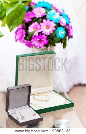 Elegant luxury bridal earrings