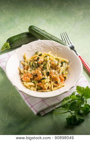 trofie with zucchinis and shrimp