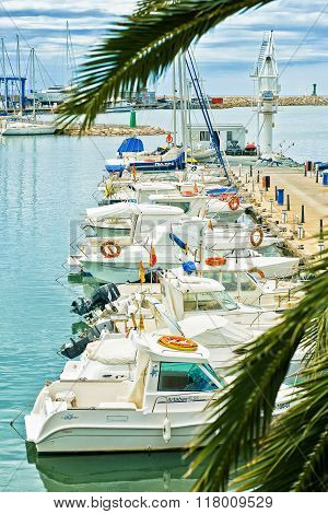 parking of individual private yachts and boats