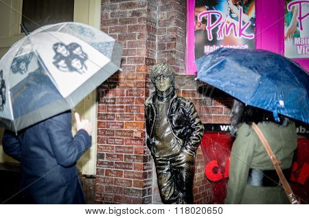 Statue of John Lennon at Mathew Street in liverpool