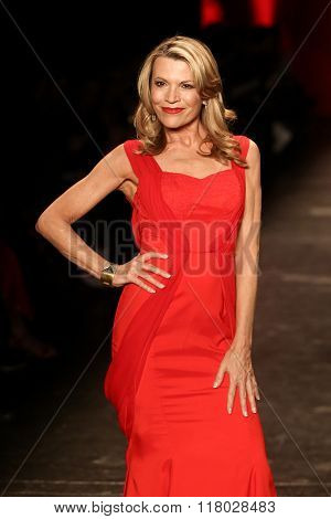 NEW YORK-FEB 11: Vanna White wears Lee-Lim at Go Red for Women Red Dress Collection 2016 Presented by Macy's at New York Fashion Week at Moynihan Station on February 11, 2016 in New York City.