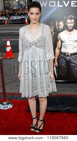 Amanda Peet at the Los Angeles Premiere of