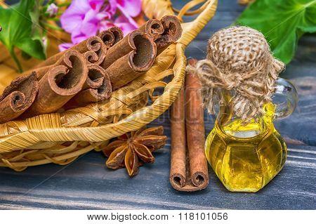 Essential cinnamon oil