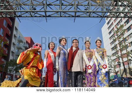 Chinese Chamber President With Queen And Princess