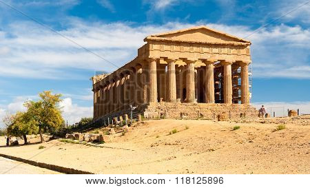 The Greek Temple Of Concordia In Agrigento (sicily)