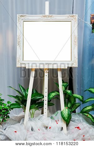 Pretty wedding picture frame in wedding party