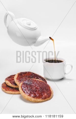 Jam cake upside with