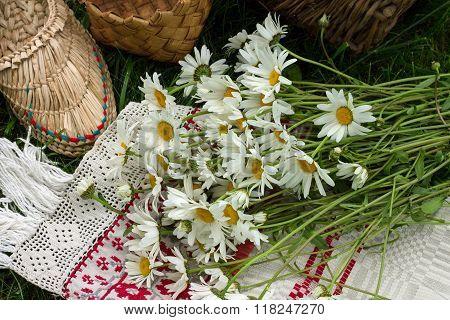 bouquet wild flowers daisies