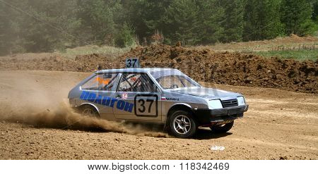 ZLATOUST, RUSSIA - MAY 15: Alexey Chanchin's buggy (No. 37) competes at the annual auto cross racing Championship of Chelyabinsk region on May 15, 2010 in Zlatoust, Chelyabinsk region, Russia.