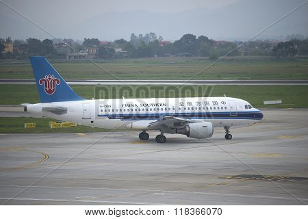 The Airbus A319 (B-6209) company of China Southern at the airport Noi Bai. Hanoi, Vietnam