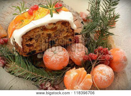 English Christmas fruitcake