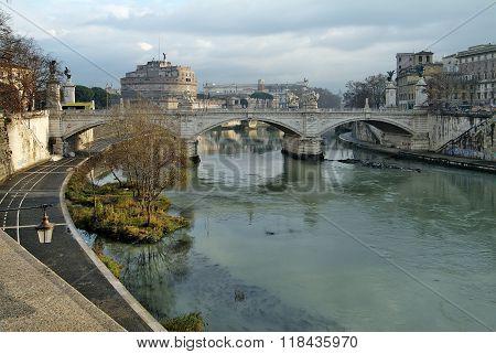 Rome Vittorio Emanuele Ll Bridge On Tevere River