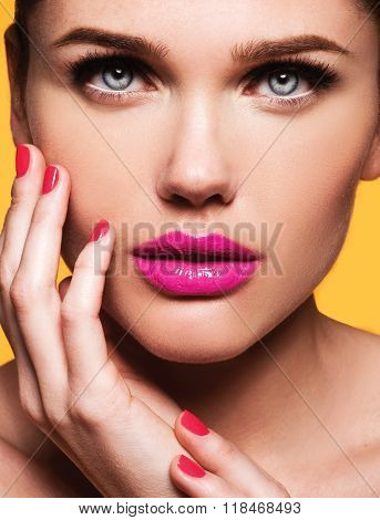 Close Up Portrait Of Beautiful Young Model With Pink Lips And Manicure