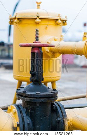 Regulating station with pressure relief valves, instrumentation and Pressure regulating valve