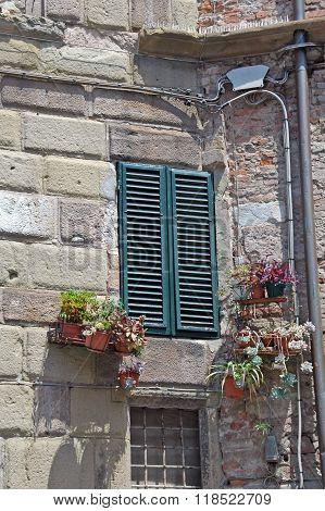 Italian shutters