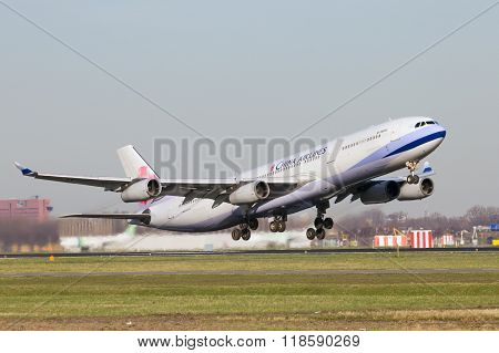 B-18805 China Airlines Airbus A340-313