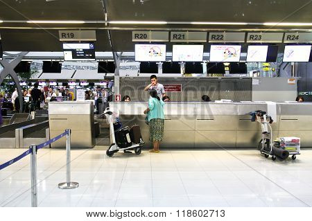 Bangkok - February 17 : People Waiting In Check-in Line R Terminal Of The Bangkok Airport On Februar