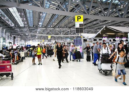 Bangkok- February 17 : Passengers Walking In Suvanaphumi Airport, Bangkok On February 17, 2016, Suva