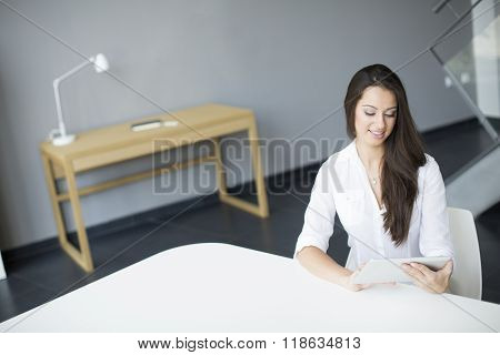 Young woman working in the modern office
