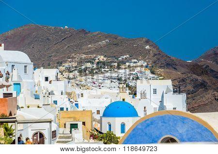 Colorful village of Oia, Santorini, GreeceColorful village of Oia, Santorini, Greece