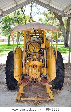 Antique Tractor: Azelia Ley Homestead