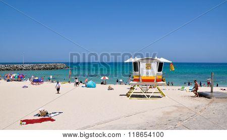 Lifeguard Station: Cottesloe Beach