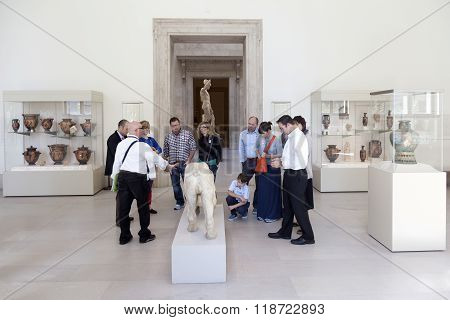 Visitors And Culpture In The New York Metropolitan Museum Of Art