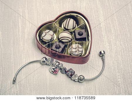 Pandora Bracelet Jewelry, Retro Style
