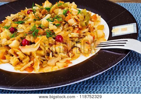 Braised Cabbage with Cranberry