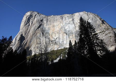 A standout feature of Yosemite National Park, the El Capitan cliff face is a destination for brave climbers and amazed onlookers.