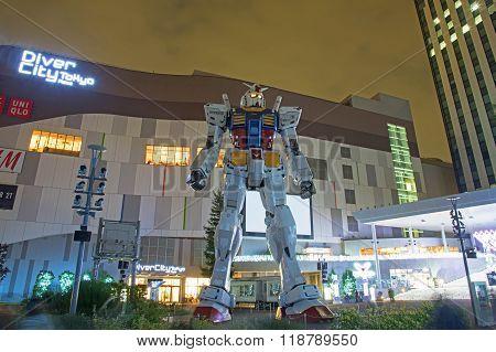 Gundam Robot  At Divercity Tokyo