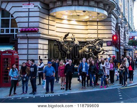 Famous Piccadilly Circus , One Of Major Attraction Of London,  With Four Bronze Horses Of Helios