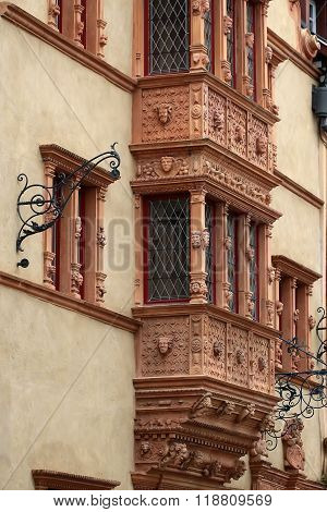 Windows With Molding In Colmar