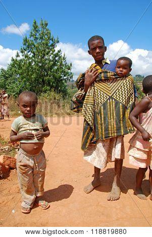 The Children Of Kilolo Mountain In Tanzania - Africa 35