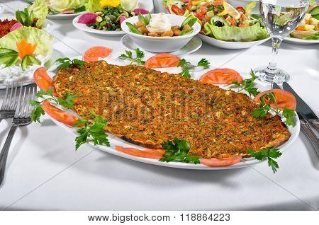 Turkish lahmacun