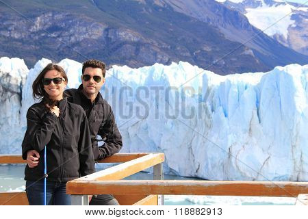 Couple in Glaciar Perito Moreno