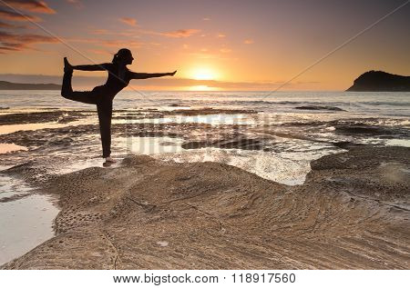 Yoga King Dancer Pose Balance By The Sea