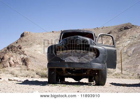 Vintage truck abondoned in desert