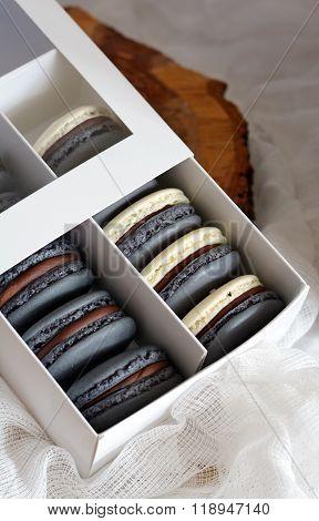 Macarons with chocolate ganache