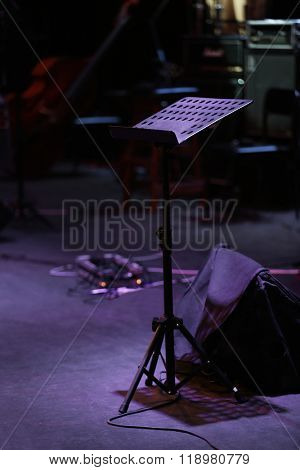 Sheet papers and stand on stage